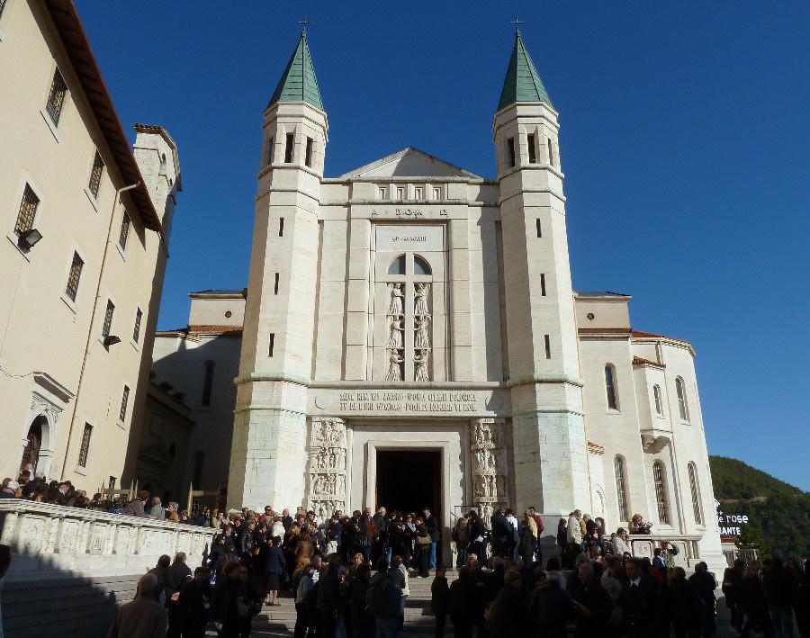 Luoghi dell 39 umbria cascia comitato linguistico perugia for Basilica di santa rita da cascia
