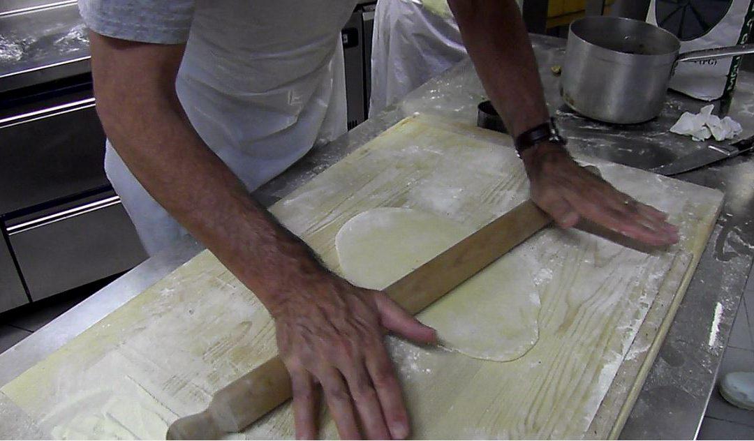 I corsi di cucina del comitato richard alle prese con i cappelletti video comitato - Corsi di cucina cagliari ...
